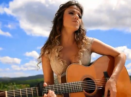"""Paula Fernandes lança clipe de """"Eu sem Você"""" – Assista Abaixo"""