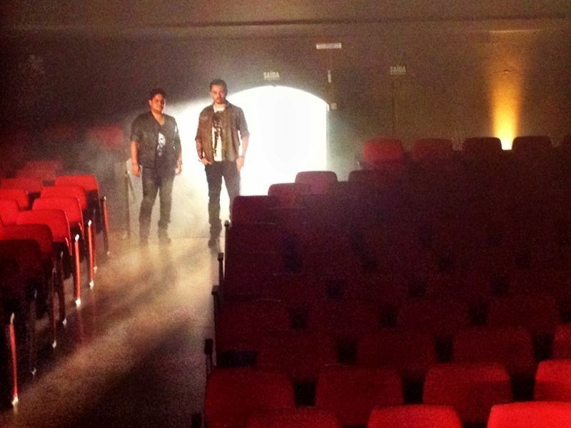 Jorge & Mateus gravam clipe com a banda Maná