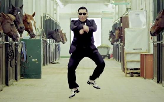 É claro que ia sair: Arrocha Gangnam Style