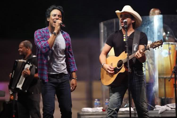"""""""Monalisa"""" – Ouçam abaixo a nova música de Guilherme & Santiago"""
