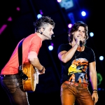Na estrada – Munhoz & Mariano gravam DVD depois de adiamento regado a chuva e choro
