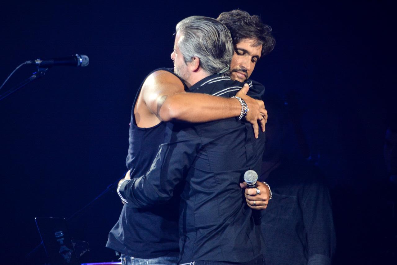 Na Estrada – Victor & Leo flertam com os representantes da nova música brasileira e equilibram as próprias diferenças em novo DVD