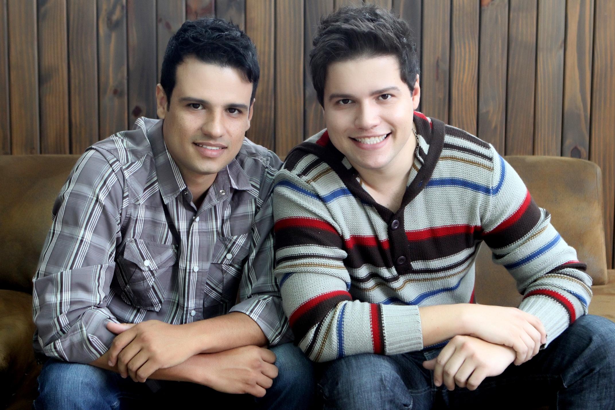 """NOVIDADE – """"Confessa"""", o novo clipe de Fernando & Renan"""