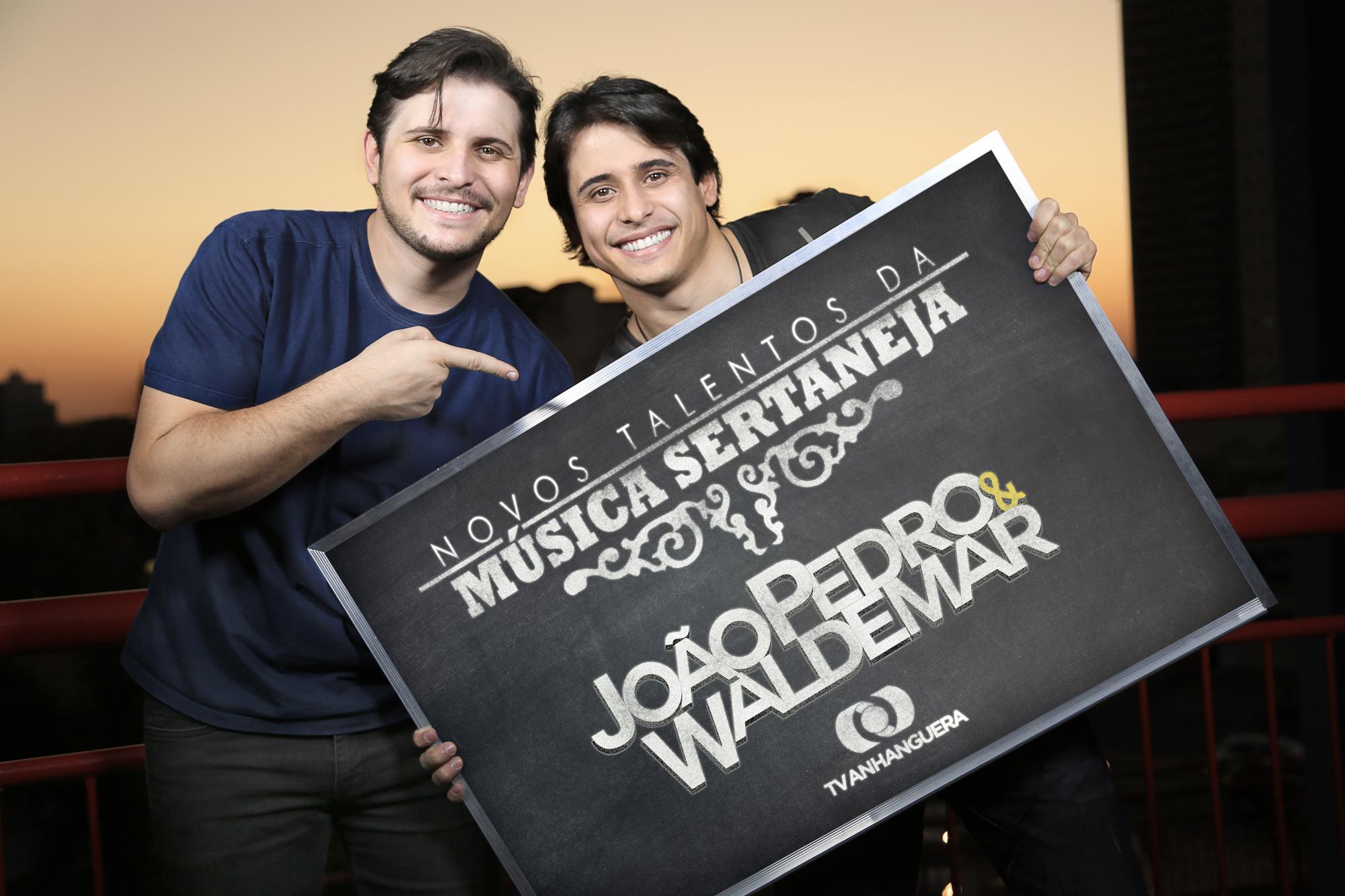 """João Pedro & Waldemar na reta final do concurso """"Novos Talentos da Música Sertaneja"""", da TV Anhanguera"""