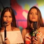 "Grandes apostas para 2017, Júlia & Rafaela lançam ""Paredes Pintadas"""
