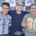 """Moleque Poderoso"": Renan & Rafael cantam com MC Gui"