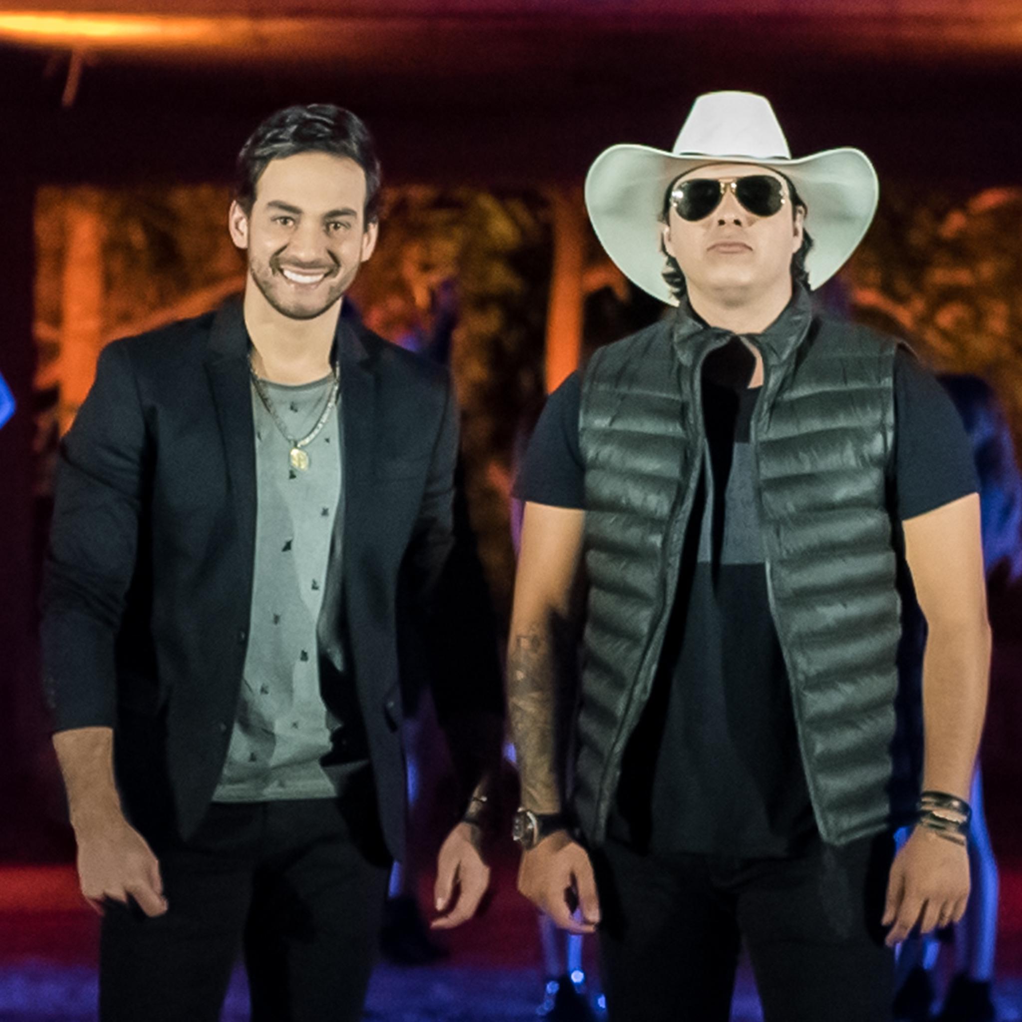 """Conrado & Aleksandro inovam com batida eletrônica na música """"Obrigado Amor"""". Confira clipe."""