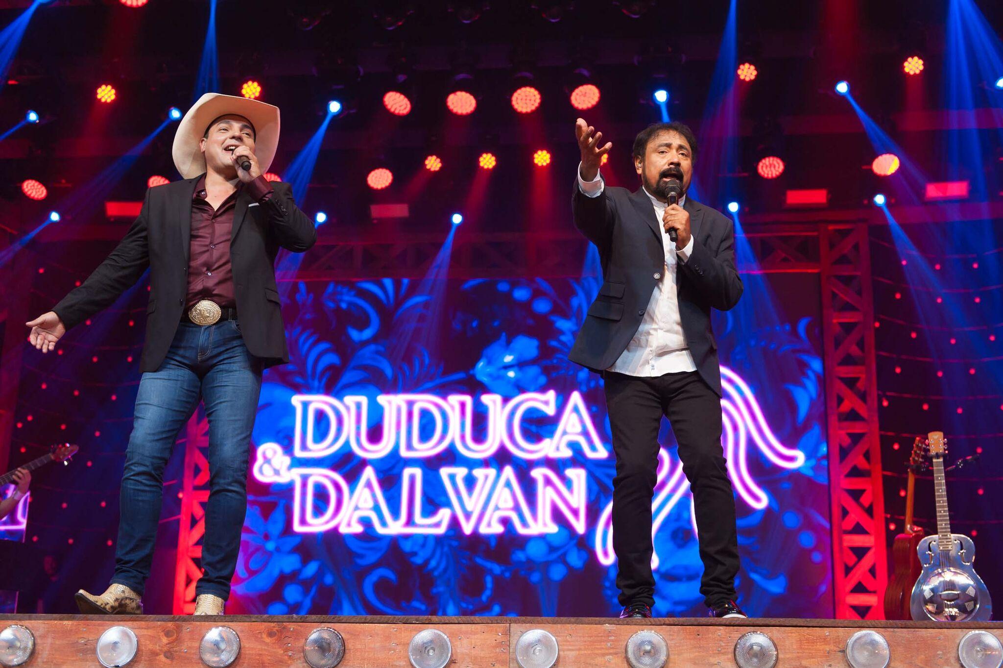 Duduca & Dalvan celebram 40 anos de carreira em grandioso DVD em Goiânia