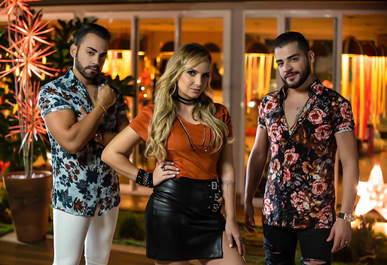 """Villa Baggage divulga clipe da música """"Pijama de ursinho"""""""