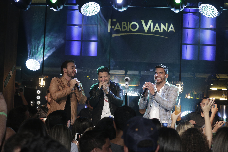Fabio Viana, compositor de grandes sucessos, lança música com participação de Cleber & Cauan