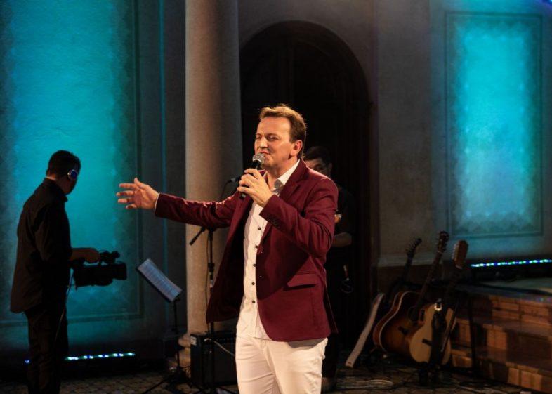Padre Ezequiel Dal Pozzo lança turnê 'DESPERTAR'