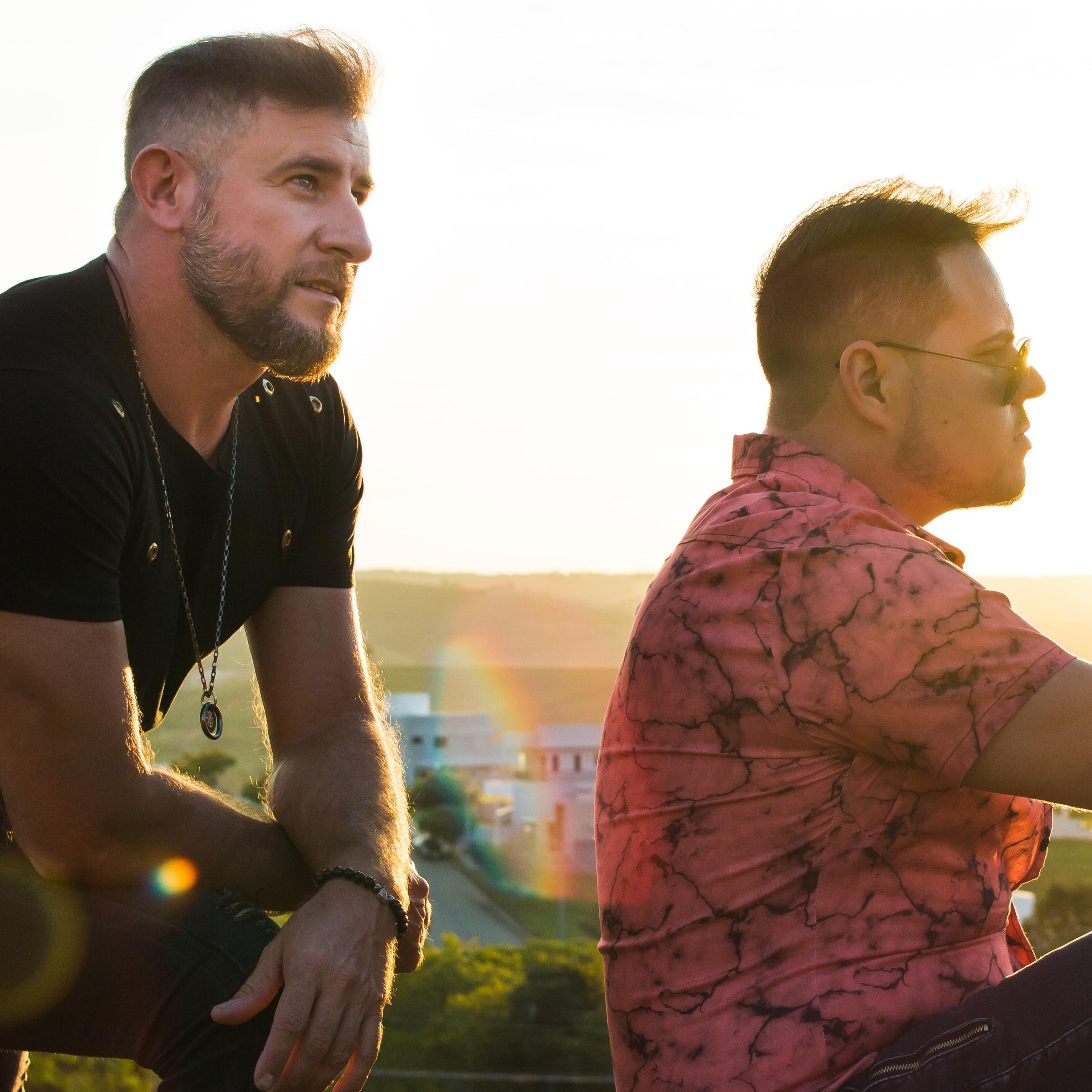 """""""Time de Solteiro"""", nova música de Kaik & Alessandro"""